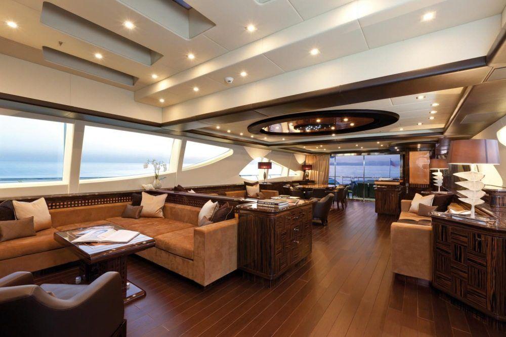 Luxury - image boatinterior on https://avario.ae